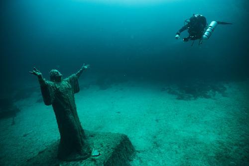 Jesus Christ Statue - Chris Holmquist